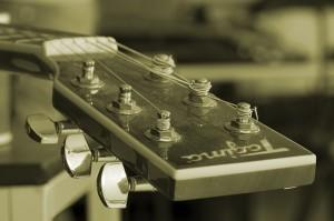 Akustikgitarre Aufbau - Kopf
