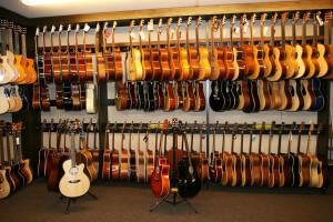 Gitarre kaufen in München bei Musik Lienhard